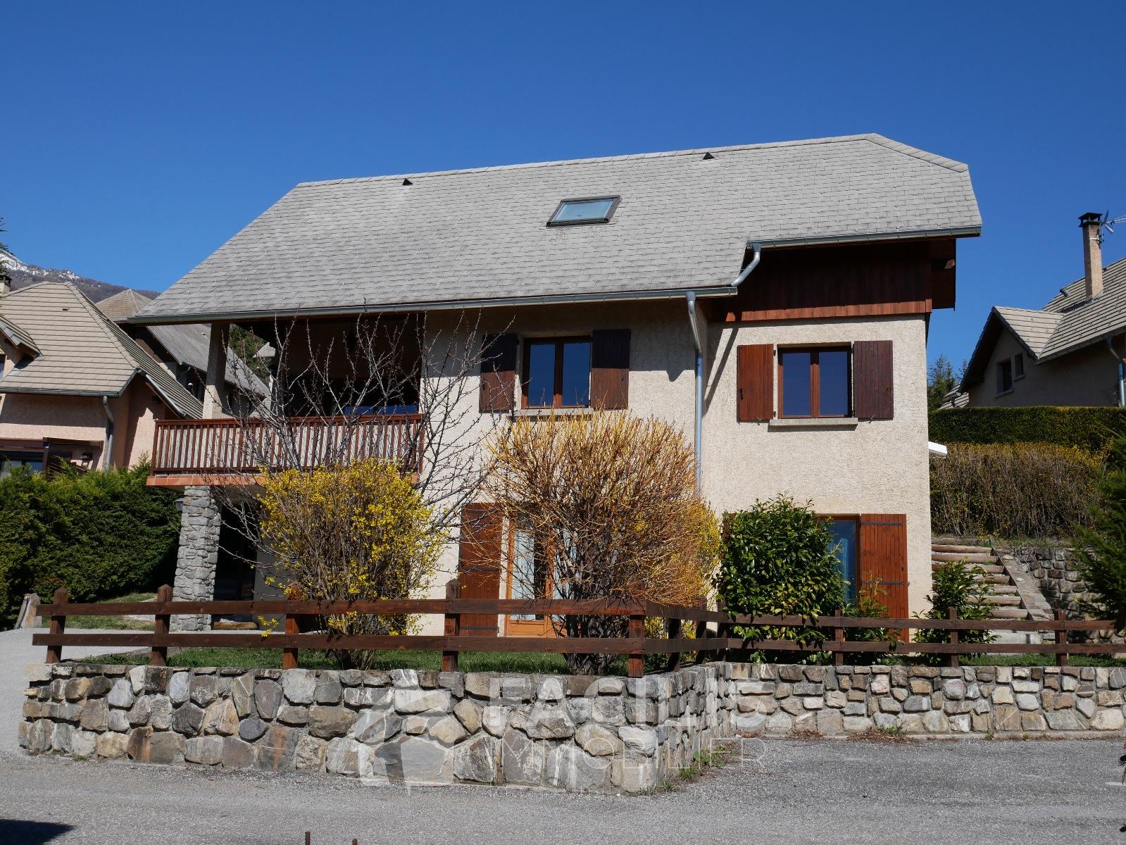 Annonce vente maison embrun 05200 154 m 377 000 for Maison vente