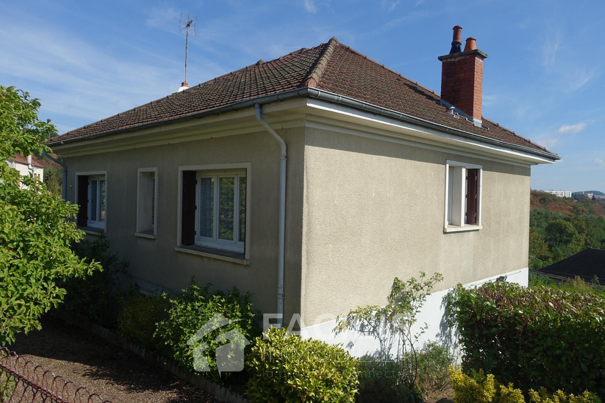 vente maison 2 3 chambres vendre 71200 le creusot. Black Bedroom Furniture Sets. Home Design Ideas